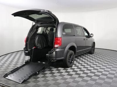 Commercial Wheelchair Vans for Sale - 2019 Dodge Grand Caravan GT ADA Compliant Vehicle VIN: 2C4RDGEG2KR696122