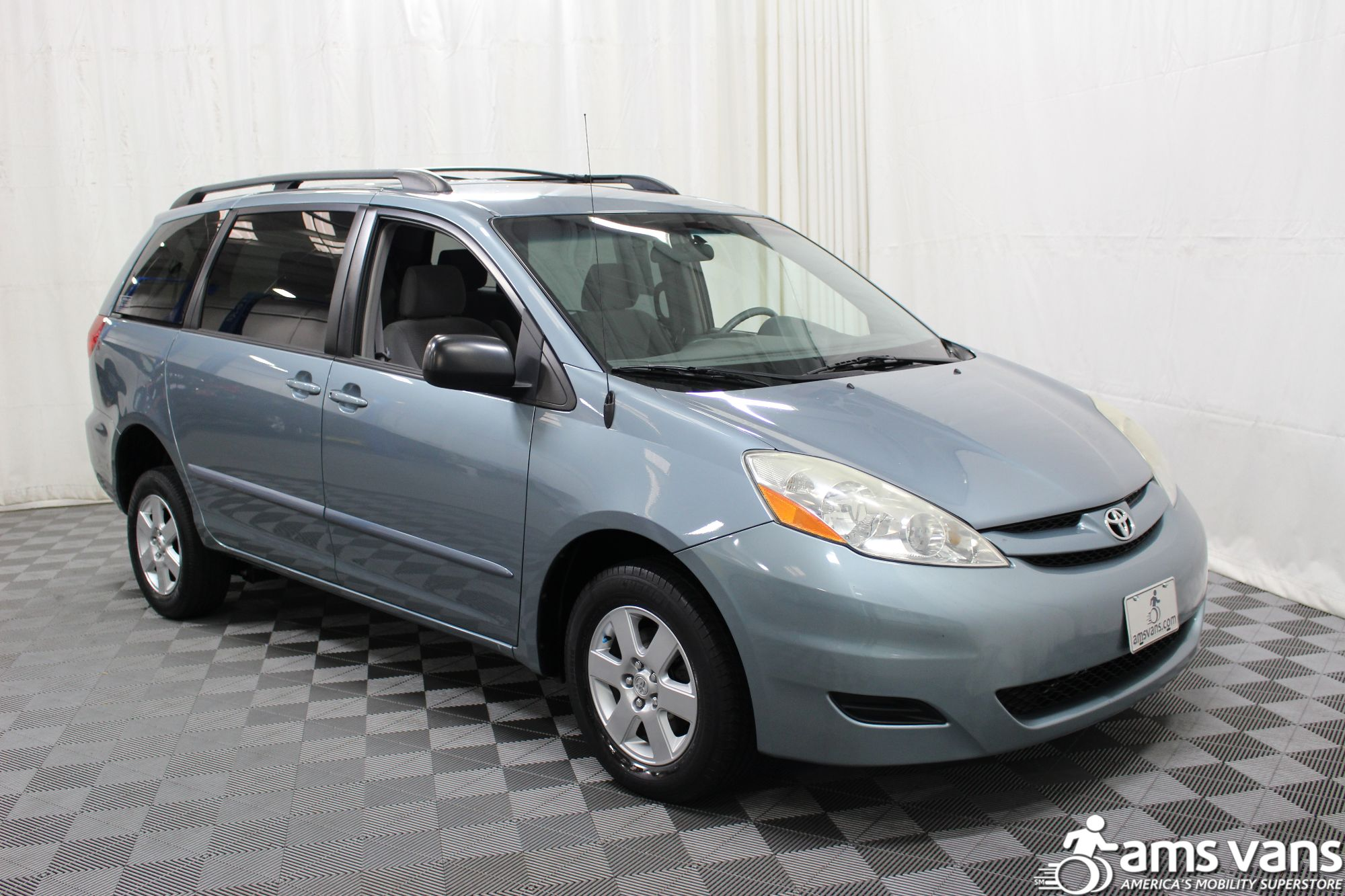 2006 Toyota Sienna LE Wheelchair Van For Sale #9
