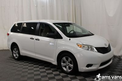 2013 Toyota Sienna Wheelchair Van For Sale -- Thumb #8