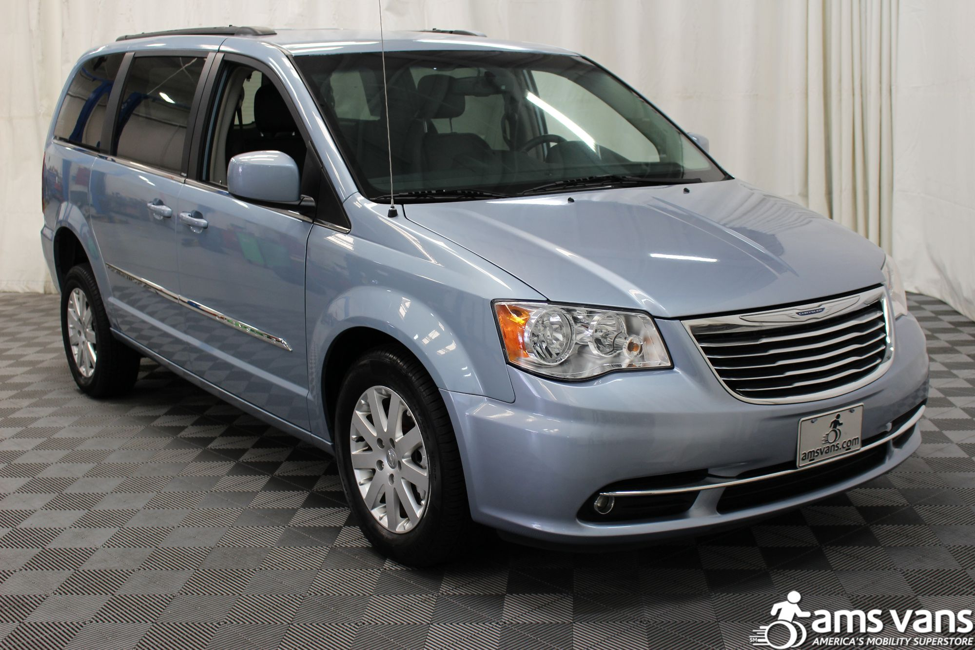 2013 Chrysler Town and Country Touring Wheelchair Van For Sale #9