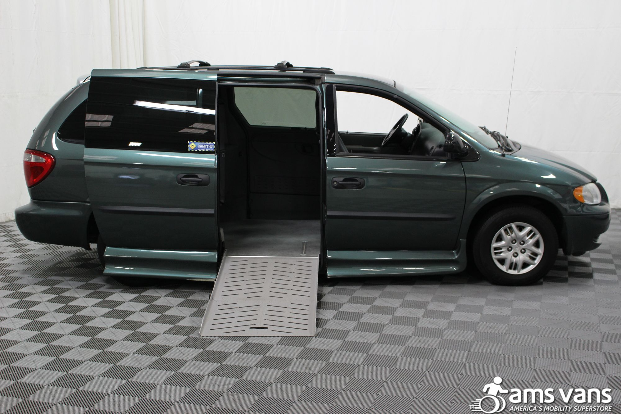 2004 Dodge Grand Caravan SE Wheelchair Van For Sale #2