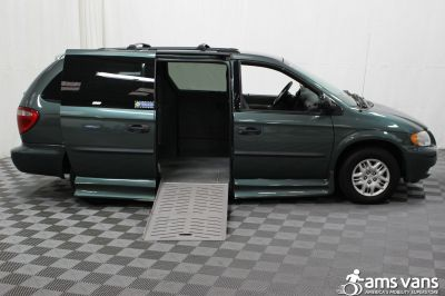2004 Dodge Grand Caravan Wheelchair Van For Sale -- Thumb #2