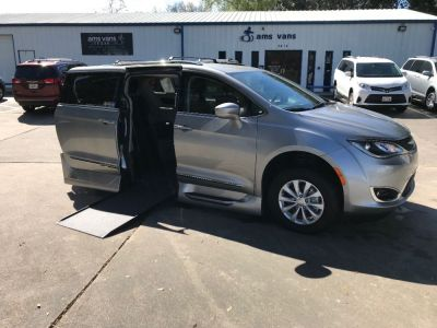 Used Wheelchair Van for Sale - 2019 Chrysler Pacifica Touring L Wheelchair Accessible Van VIN: 2C4RC1BG6KR603428