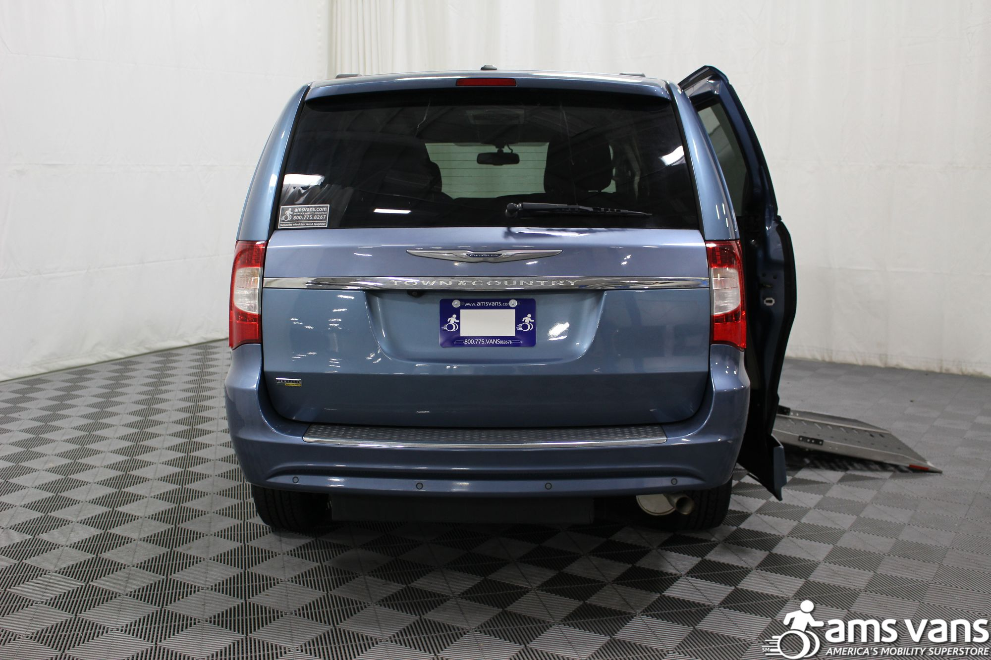 2012 Chrysler Town and Country Touring Wheelchair Van For Sale #4