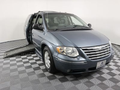 Handicap Van for Sale - 2005 Chrysler Town & Country Touring Wheelchair Accessible Van VIN: 2C4GP54L45R313402