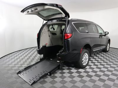 Commercial Wheelchair Vans for Sale - 2020 Chrysler Pacifica Touring L ADA Compliant Vehicle VIN: 2C4RC1BG3LR131884