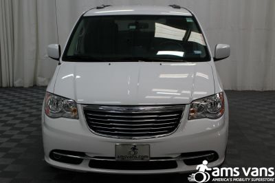 2014 Chrysler Town and Country Wheelchair Van For Sale -- Thumb #17