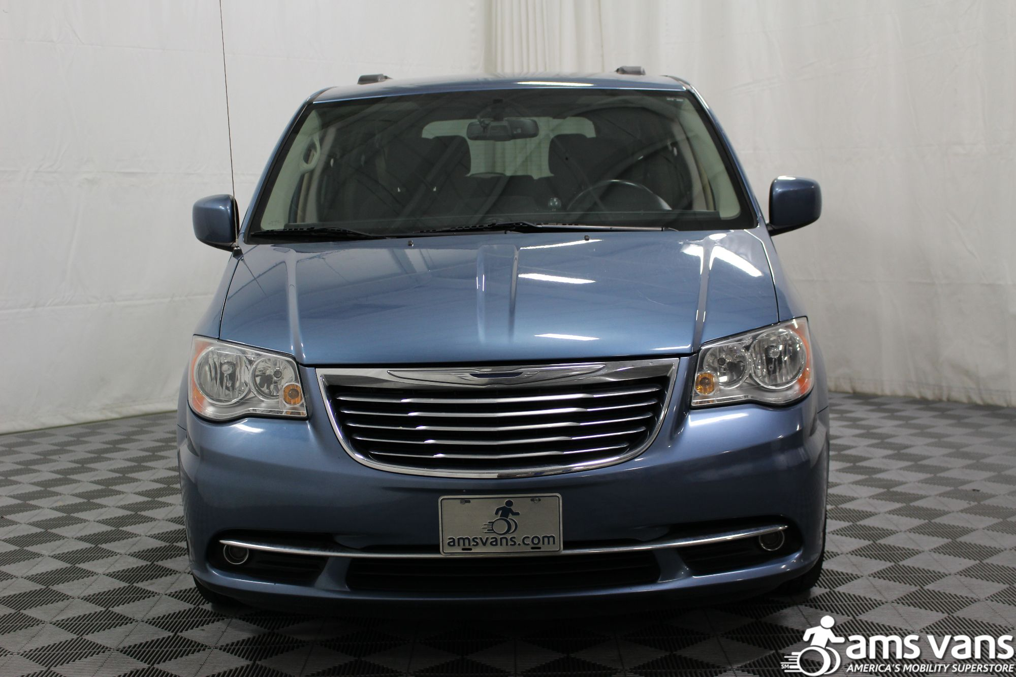 2012 Chrysler Town and Country Touring Wheelchair Van For Sale #18