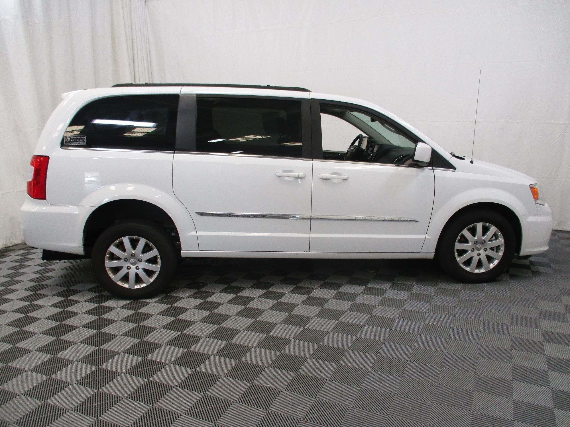 2015 Chrysler Town and Country Touring Wheelchair Van For Sale #11