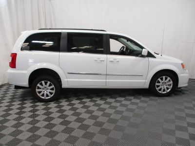 2015 Chrysler Town and Country Wheelchair Van For Sale -- Thumb #11