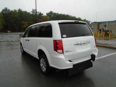 White Dodge Grand Caravan image number 19