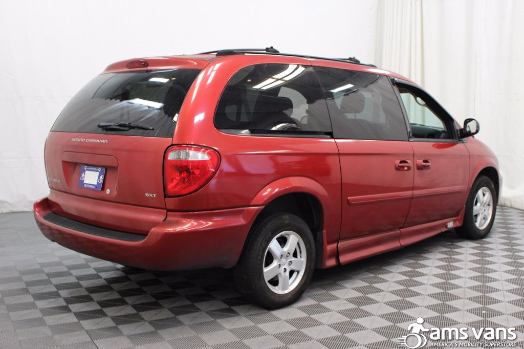 2005 Dodge Grand Caravan SXT Wheelchair Van For Sale #2