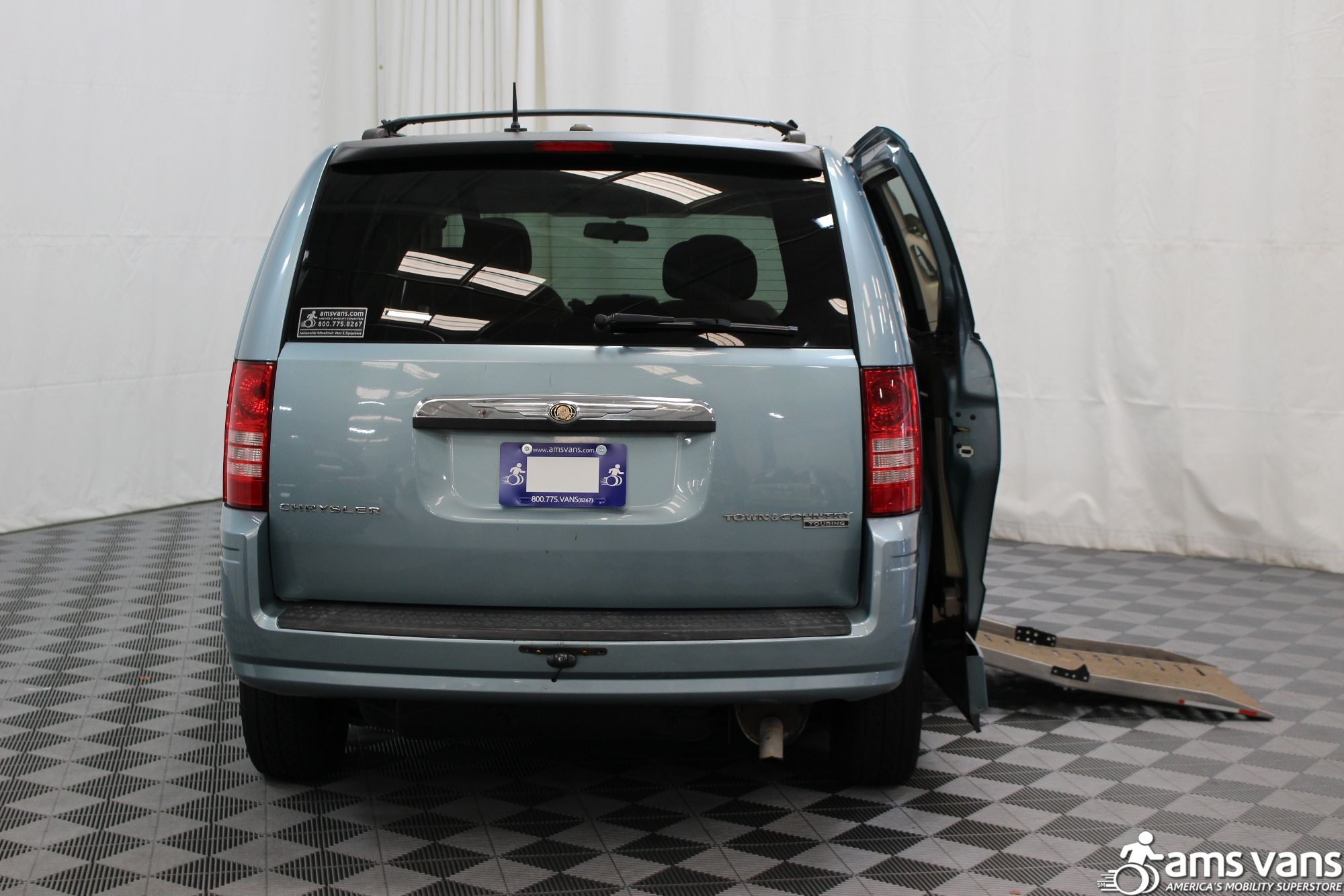 2010 Chrysler Town and Country Wheelchair Van For Sale #4