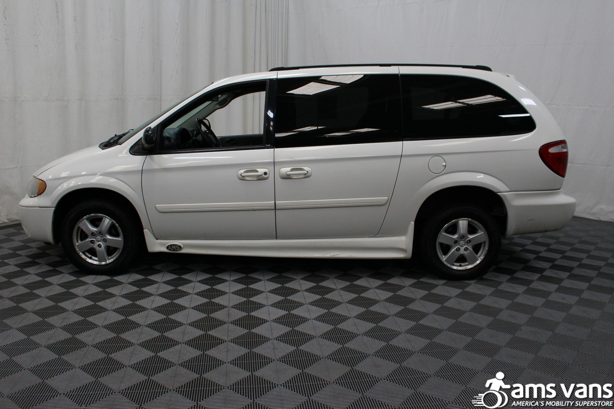 2006 Dodge Grand Caravan SXT Wheelchair Van For Sale #5