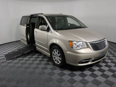 Used Wheelchair Van for Sale - 2016 Chrysler Town & Country Touring Wheelchair Accessible Van VIN: 2C4RC1BG6GR287617