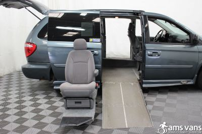 2007 Dodge Grand Caravan Wheelchair Van For Sale -- Thumb #9