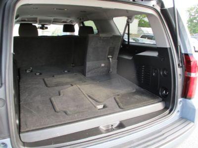 Gray Chevrolet Suburban image number 22