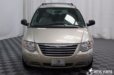 2005 Chrysler Town and Country Wheelchair Van For Sale -- Thumb #19
