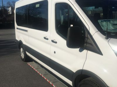 White Ford T350 image number 7