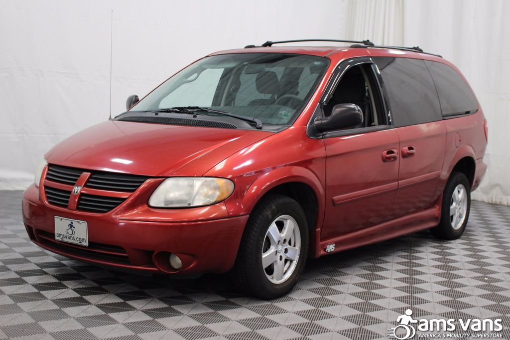 2005 Dodge Grand Caravan SXT Wheelchair Van For Sale #7