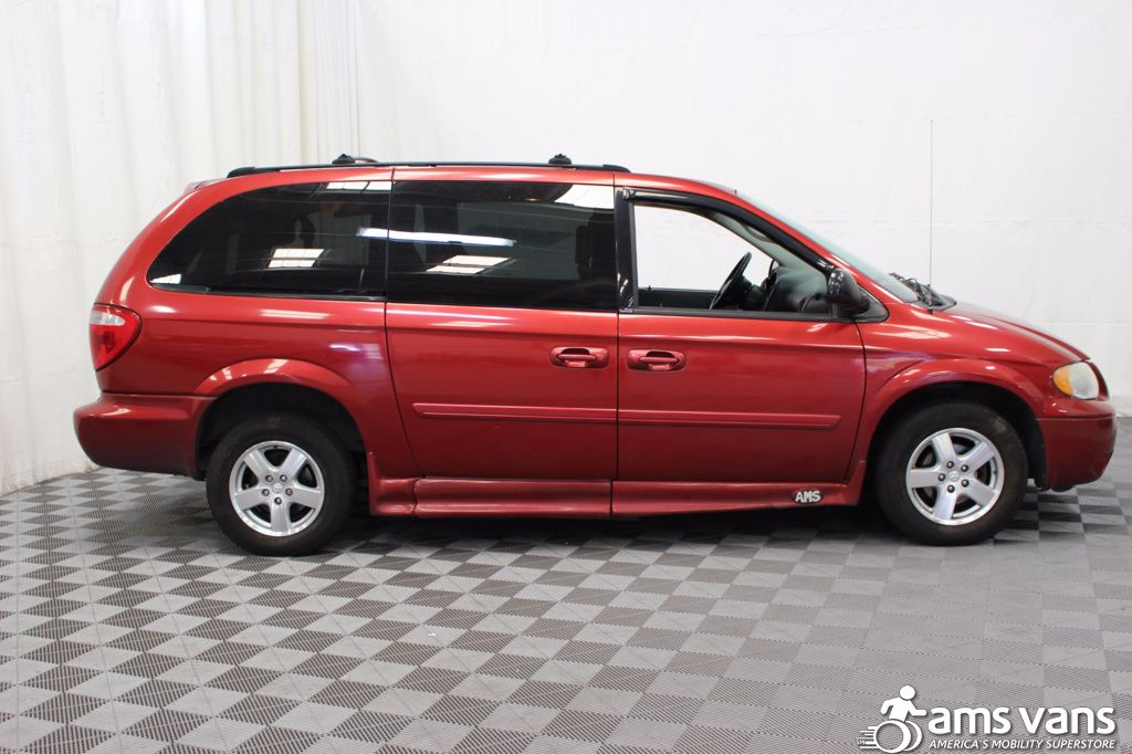 2005 Dodge Grand Caravan SXT Wheelchair Van For Sale #3