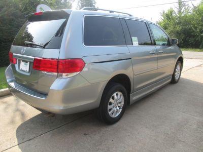 GREEN Honda Odyssey image number 6