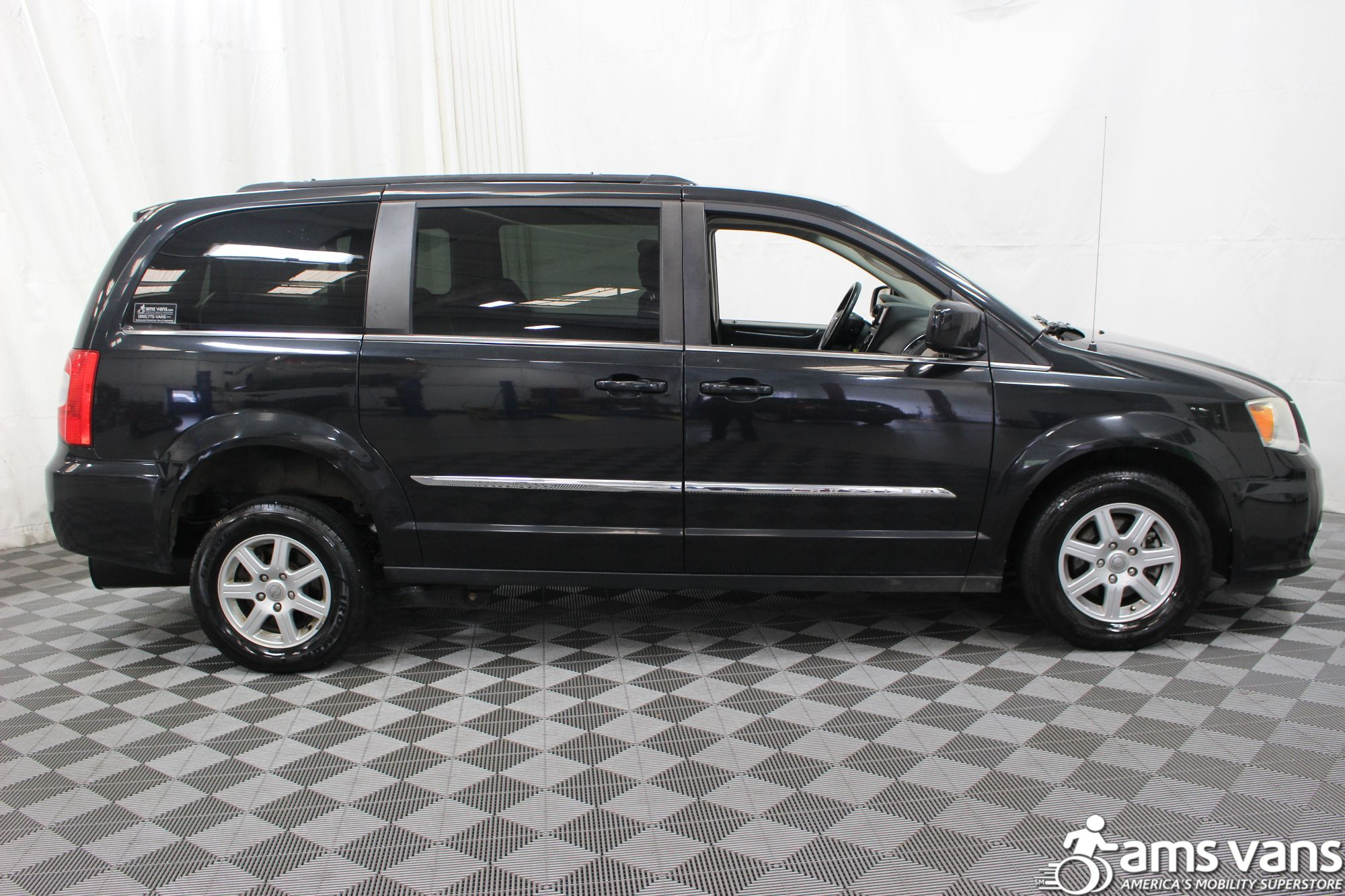 2011 Chrysler Town and Country Touring Wheelchair Van For Sale #9