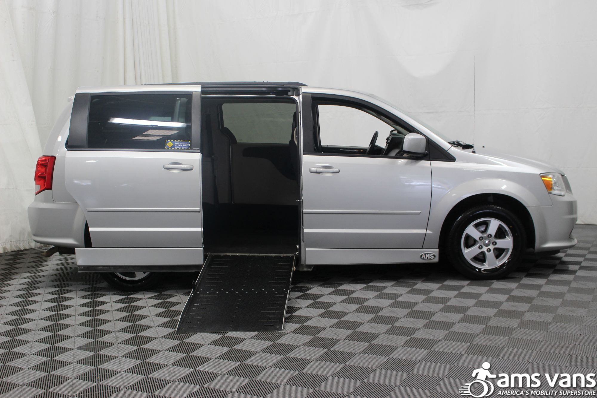 2011 Dodge Grand Caravan Mainstreet Wheelchair Van For Sale #2