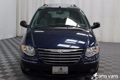 2005 Chrysler Town and Country Wheelchair Van For Sale -- Thumb #20