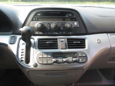 GREEN Honda Odyssey image number 11