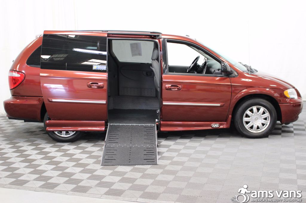 2007 Chrysler Town and Country Touring Wheelchair Van For Sale #2