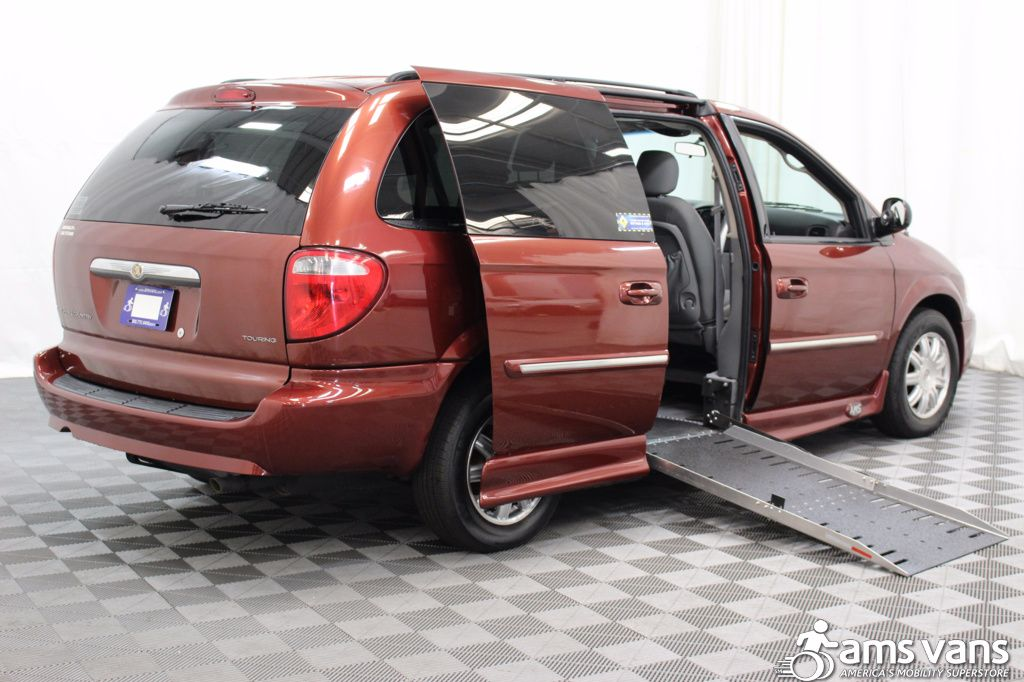 2007 Chrysler Town and Country Touring Wheelchair Van For Sale #3