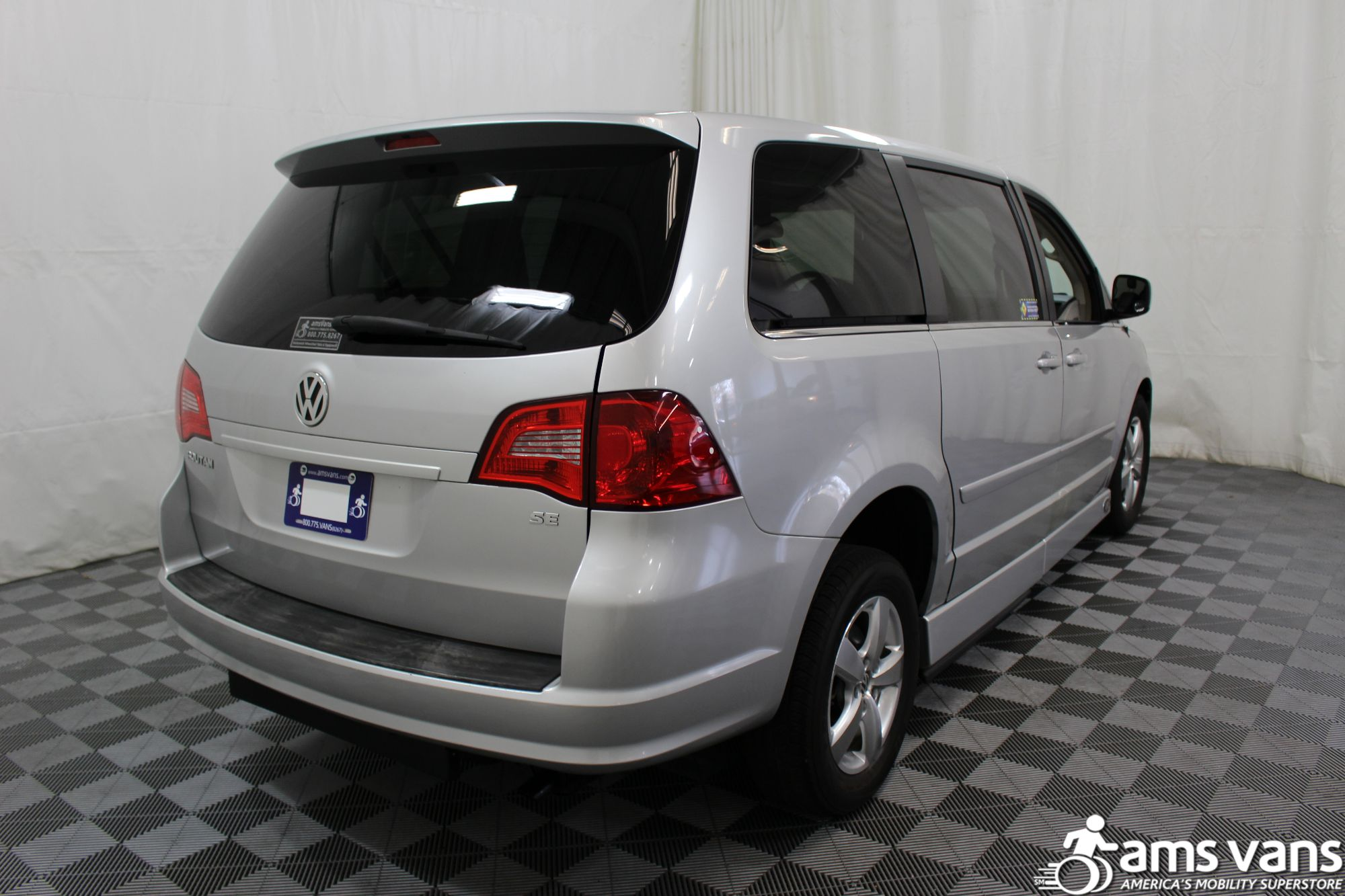 2010 Volkswagen Routan SE Wheelchair Van For Sale #13