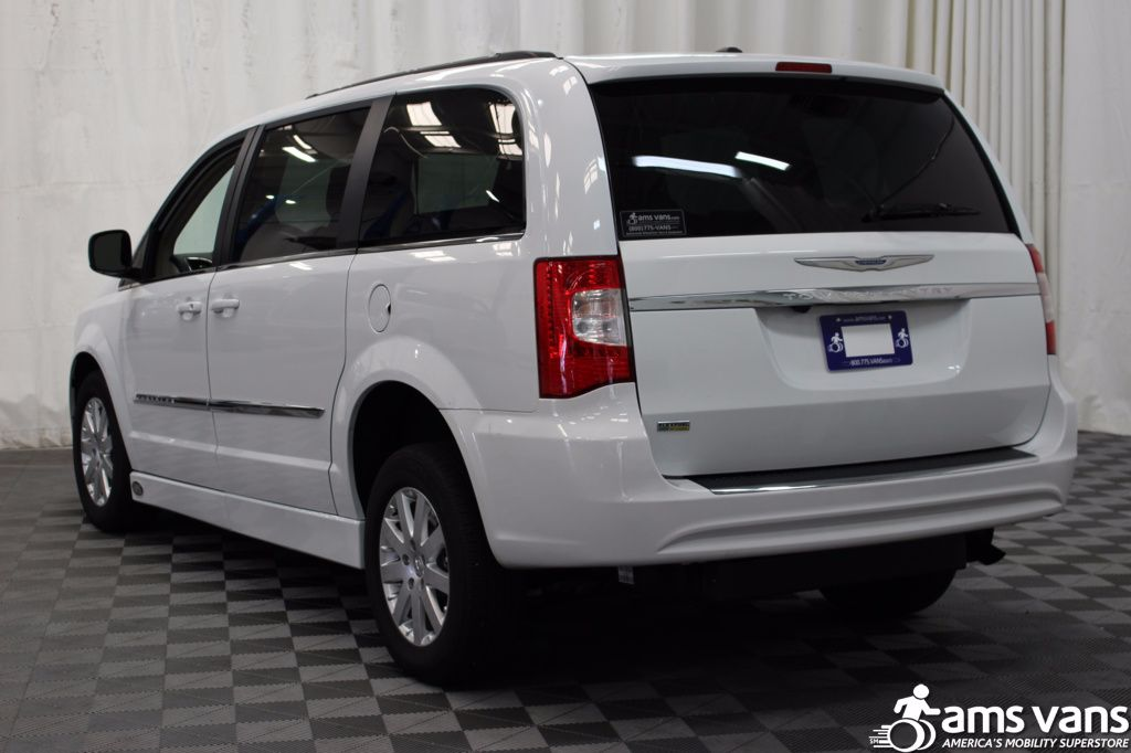 2016 chrysler town and country wheelchair van for sale 39 495. Black Bedroom Furniture Sets. Home Design Ideas