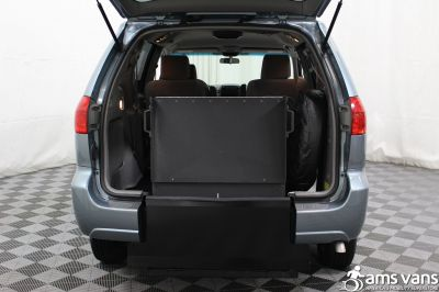 2006 Toyota Sienna Wheelchair Van For Sale -- Thumb #6