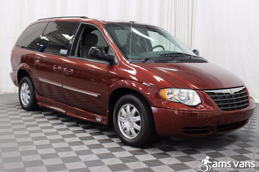 2007 Chrysler Town and Country Touring Wheelchair Van For Sale #9
