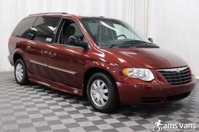 2007 Chrysler Town and Country Wheelchair Van For Sale -- Thumb #9