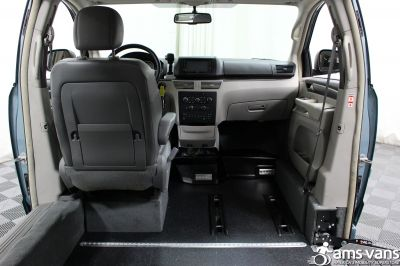 2010 Volkswagen Routan Wheelchair Van For Sale -- Thumb #7