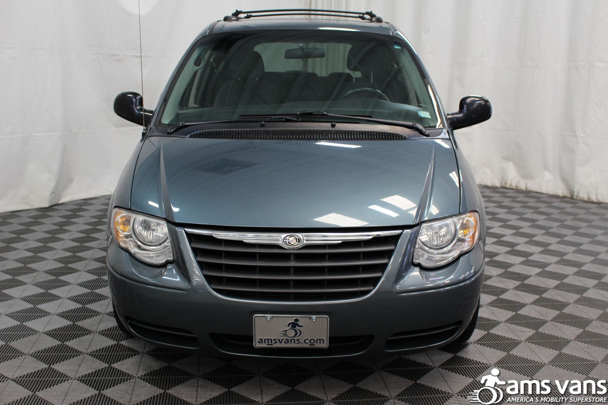 2005 Chrysler Town and Country Touring Wheelchair Van For Sale #11