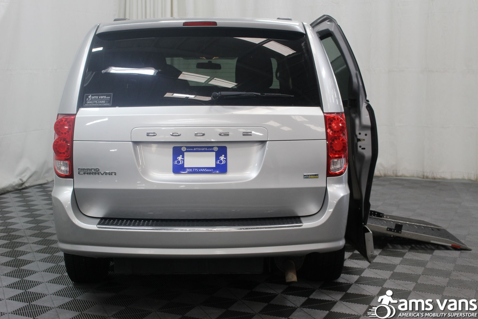2011 Dodge Grand Caravan Mainstreet Wheelchair Van For Sale #4