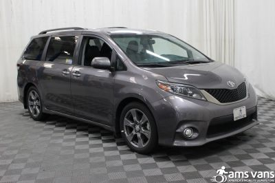 New 2017 Toyota Sienna SE Wheelchair Van