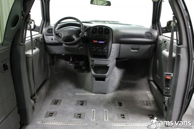2004 Dodge Grand Caravan Wheelchair Van For Sale -- Thumb #8