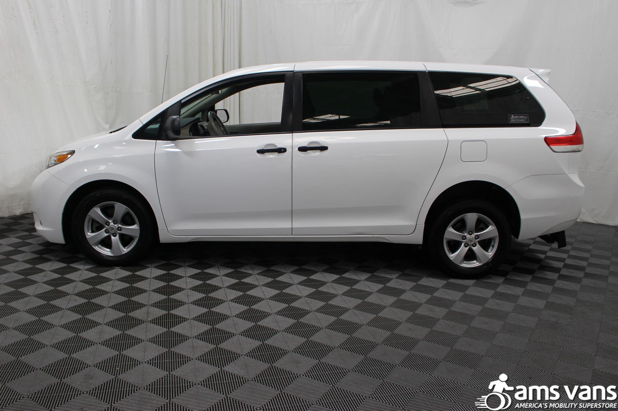 2013 Toyota Sienna L Wheelchair Van For Sale #13