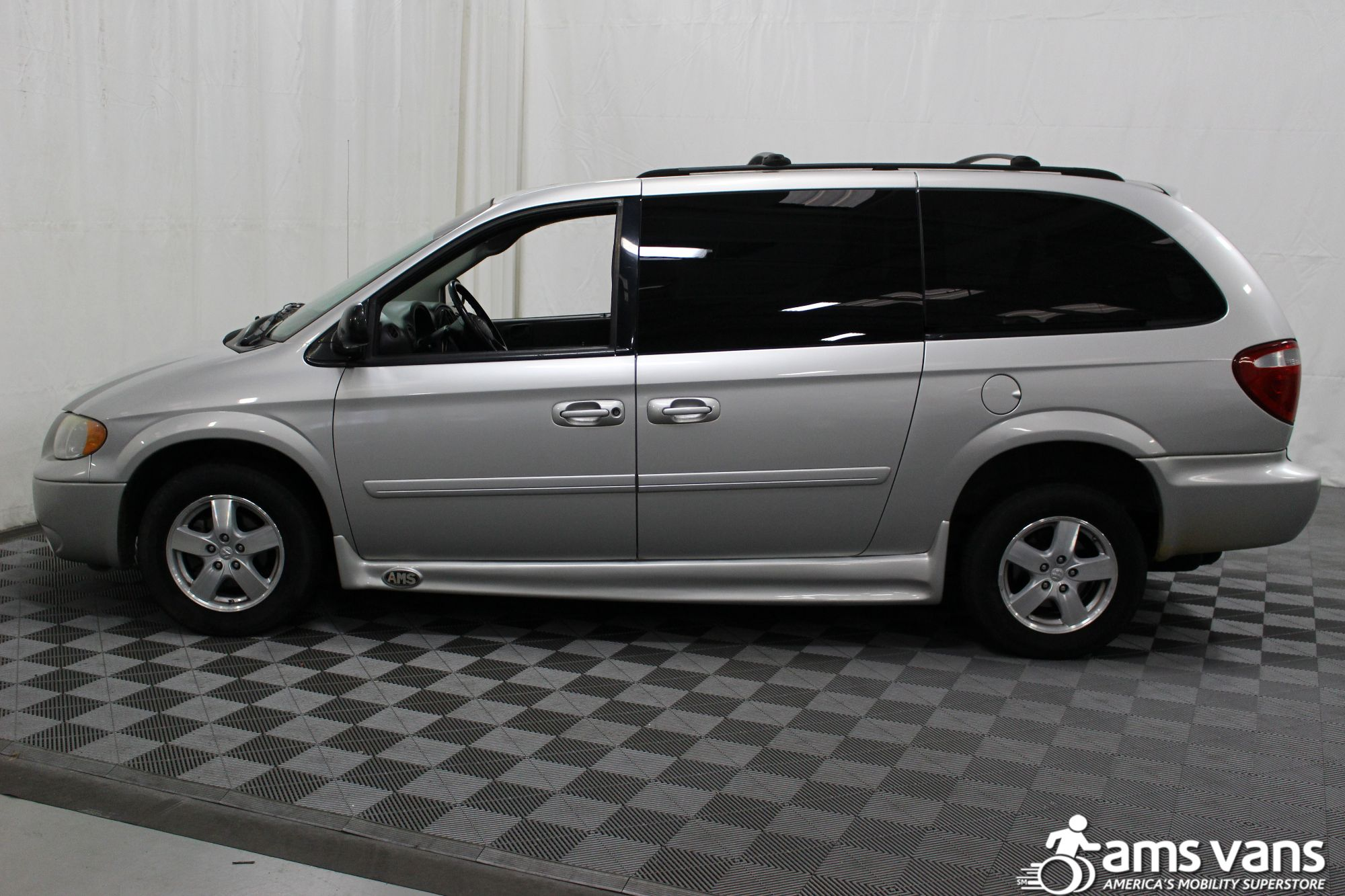 2007 Dodge Grand Caravan SXT Wheelchair Van For Sale #6