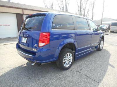 Blue Dodge Grand Caravan image number 6