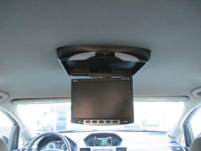Black Honda Odyssey image number 25
