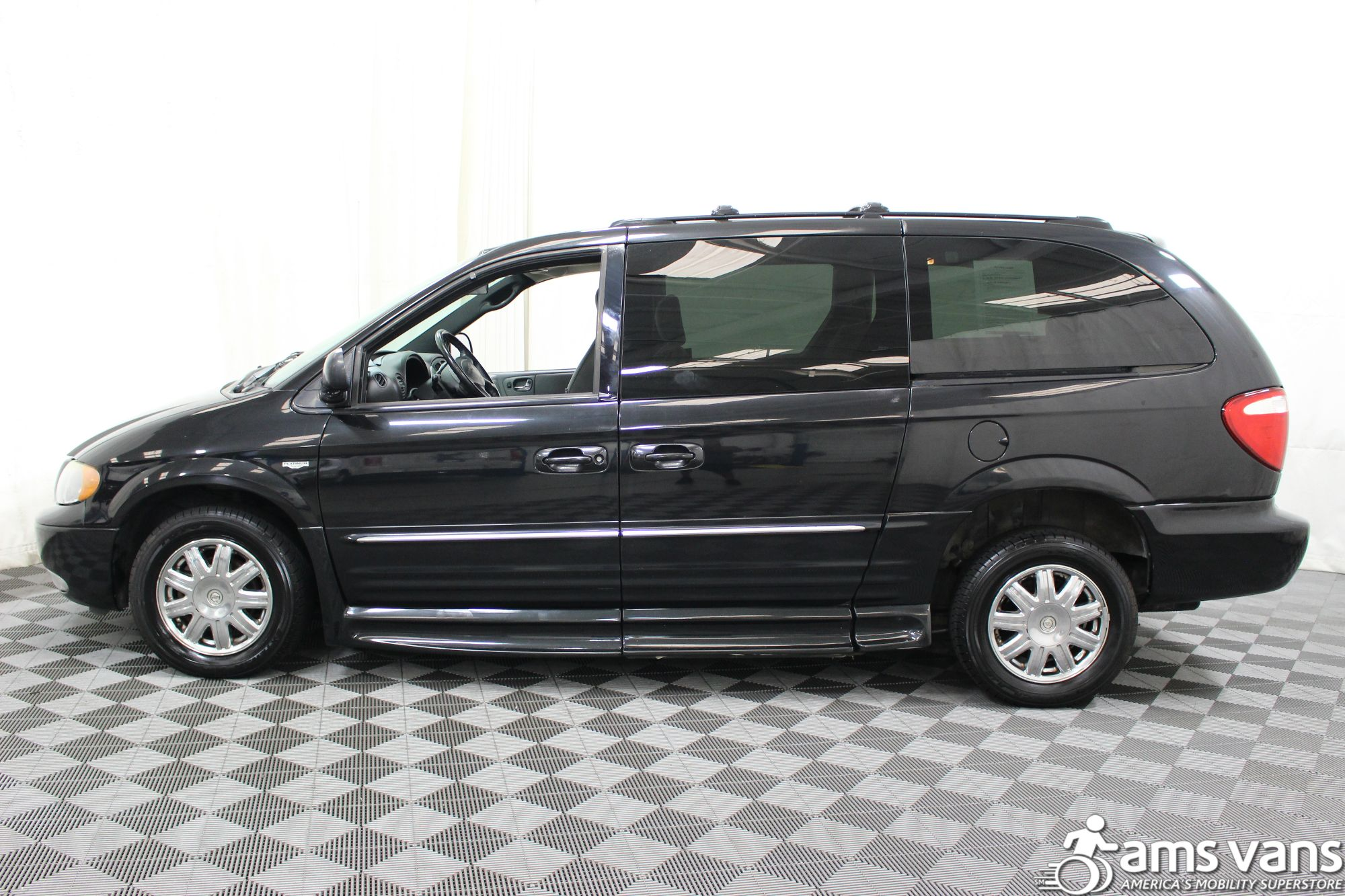 2004 Chrysler Town and Country Touring Wheelchair Van For Sale #19