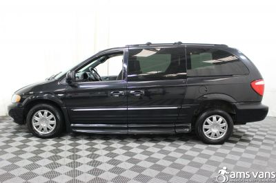 2004 Chrysler Town and Country Wheelchair Van For Sale -- Thumb #19