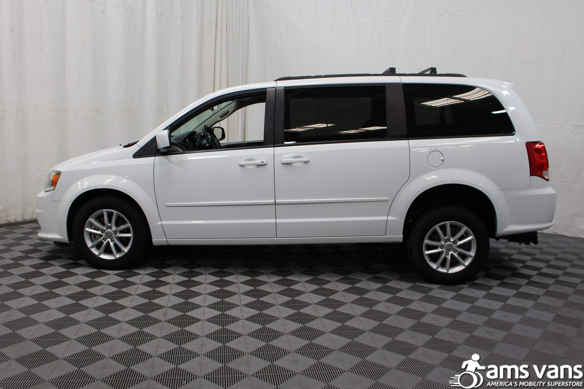 2015 Dodge Grand Caravan SXT Wheelchair Van For Sale #10