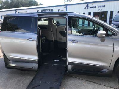 Handicap Van for Sale - 2020 Chrysler Pacifica Touring L Wheelchair Accessible Van VIN: 2C4RC1BG4LR127973